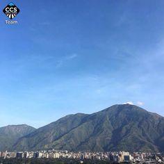 Ayer nuestro Ávila pedía a gritos: Caraqueños salgan a la calle y no bajen el ánimo   Toma de Venezuela 26O   26/10/2016 7:26am @ginamoca << Foto @mahenriquezm del TEAM @CCS_EntreCalles >> en Caracas Entre Calles. ============================ TAG #CCS_EntreCalles ================ Team: @ginamoca @huguito @luisrhostos @mahenriquezm @teresitacc @marianaj19 @floriannabd ================ #Caracas #Venezuela #Increibleccs #Instavenezuela #Gf_Venezuela #GaleriaVzla #Ig_GranCaracas #Ig_Venezuela…