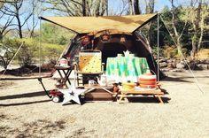 キャンプアンドキャビンズ Camping, Wood, Campsite, Woodwind Instrument, Trees, Outdoor Camping, Home Decor Trees, Tent Camping, Rv Camping