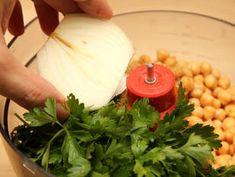 Falafel - eredeti arab recept lépés 5 foto Falafel, Cheese, Food, Essen, Falafels, Meals, Yemek, Eten