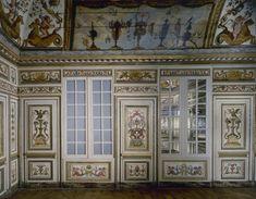 1) Musée Carnavalet, v. 1650. Huile sur bois de chêne. De MB 89/1 à MB 89/2. SALLE 17/CABINET DE L'HÔTEL COLBERT DE VILLACERF. Acquis par la Ville de Paris pour le musée Carnavalet en 1867. Ces boiseries proviennent de l'hôtel Colbert de Villacerf (actuel 23, rue de Turenne, 4° arrondissement). Peintes vers 1650, elles comptent parmi les décors conservés les plus spectaculaires du milieu du XVII°s. L'ordonnancement en bas lambris, lambris de hauteur....