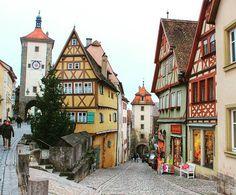Lovely city ❤ Rothenburg ob der Tauber ❤ Uma das cidades mais lindas da…