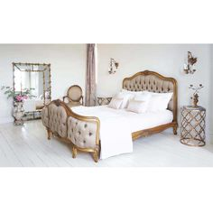 Versailles Curved Upholstered Bed | Luxury Bed