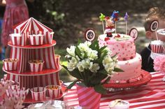 Oh my goodness- this makes me wish throwing birthday parties was my job! So much work but sooo much fun!
