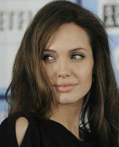 кДтё☆ρσℓє World Most Beautiful Woman, Beautiful Women, Angelina Jolie Face, Natural Dark Hair, Jolie Pitt, Celebrity Photos, Celebrity News, Celebrity Style, Celebs