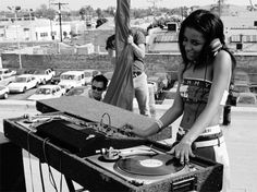 I had never seen this photo before. As an aspiring DJ this makes me smile because Aaliyah was someone I admired growing up.