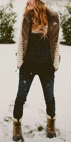 Love this dungarees outfit for Winter