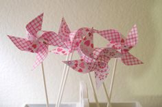 Easter Basket Filler, Pink Party Favors, GINGHAM Wedding decorations 12 Mini Pinwheels Pink Heart (Custom orders welcomed) Pink Party Favors, Unique Party Favors, Kids Party Decorations, Paper Decorations, Wedding Decorations, Wedding Ideas, Diy Spinning Wheel, Gingham Wedding, Diy Pinwheel