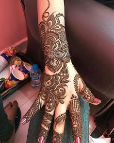 Here are the best Full Hand Mehndi Design Images. Pakistani Mehndi Designs, Khafif Mehndi Design, Latest Bridal Mehndi Designs, Full Hand Mehndi Designs, Henna Art Designs, Mehndi Designs For Girls, Modern Mehndi Designs, Mehndi Design Pictures, Wedding Mehndi Designs