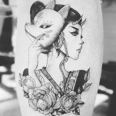 Japanese girl with mask . Geisha Tattoos, Geisha Tattoo Sleeve, Tatoo Geisha, Geisha Tattoo Design, Japan Tattoo Design, Irezumi Tattoos, Anime Tattoos, Body Art Tattoos, Girl Tattoos