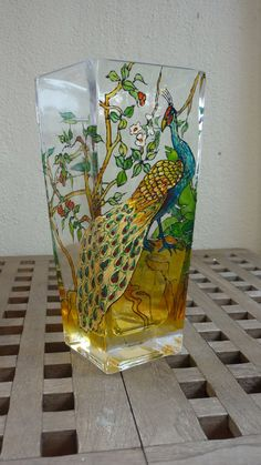 40 Easy Glass Painting Designs And Patterns For Beginners Pottery Painting Designs, Glass Painting Designs, Stained Glass Designs, Stained Glass Patterns, Paint Designs, Diy Wine Glasses, Painted Wine Glasses, Painted Vases, Hand Painted