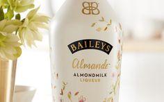 Though we were hoping for an Irish Cream, Baileys Almande is an Almondmilk liqueur that promises refreshing, creamy, non-dairy and gluten-free flavor. Vegan Foods, Vegan Dishes, Vegan Desserts, Vegan Baileys, Vegan Alcohol, Dairy Free Cream, Cream Liqueur, Baileys Irish Cream, Sans Gluten
