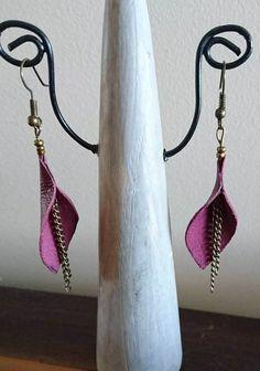 Boucles d'oreilles cuir et chaînettes de la boutique popincreations sur Etsy