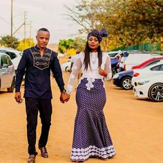 Bride In Beautiful Shweshwe Inspired Mermaid Dress 2019 For Lobola. South African bride in embroidered white net top mixed with blue Shweshwe bottom for her Lobola ceremony. South African Fashion, Latest African Fashion Dresses, African Print Fashion, Africa Fashion, African Prints, South African Traditional Dresses, Shweshwe Dresses, African Wedding Dress, Wedding Dresses