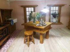 Mezzanottis Nr.: 30 – Mezzanottis Miniaturen & Puppenhäuser Table, Furniture, Home Decor, Decoration Home, Room Decor, Home Furniture, Interior Design, Home Interiors, Desk