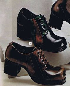How many of you guys had a pair of shoes like these? These Platforms were in… How many of you guys had a pair of shoes like these? These Platforms were in a league of their own that's for sure. 70s Inspired Fashion, 60s And 70s Fashion, Retro Fashion, Vintage Fashion, Mens Fashion, 70s Shoes, Sock Shoes, Mens Platform Shoes, Mod Girl