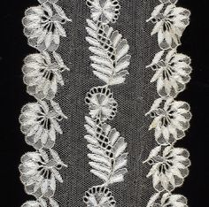 Blonde bobbin lace with a twist net ground, c.1820. Width of lappet, 18 cm.