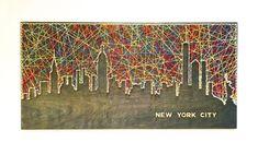 New York City String Art – Skyline von New York – Kunst von New York – Kunst von Manhattan – Skyline von Manhattan – NYC – City Art Manhattan Skyline, New York City Skyline, Nyc Skyline, Manhattan Nyc, String Art Diy, Diy Wall Art, Rope Crafts, Diy Arts And Crafts, Fourth Of July Crafts For Kids