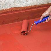 La peinture pour carrelage de salle de bain doit posséder au moins deux avantages: vous permettre de redécorer votre intérieur selon vos souhaits et résister à l'humidité (ainsi qu'aux détergents). Obligatoirement lavable, elle peut être efficac