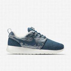 wholesale dealer 7c25b d487b Nike Women s Brigade Blue Sail Brigade Blue Roshe One Winter Shoe