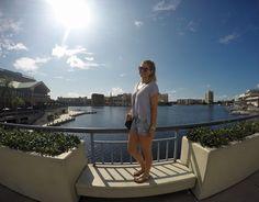 Florida: Der Riverwalk in Tampa ist eine lange Promenade zum Flanieren entlang des Rivers.