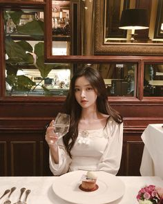 Uploaded by mystyle. Find images and videos on We Heart It - the app to get lost in what you love. Korean Beauty Girls, Pretty Korean Girls, Cute Korean Girl, Beautiful Asian Girls, Korean Girl Photo, Korean Girl Fashion, Ulzzang Fashion, Ulzzang Korean Girl, Uzzlang Girl