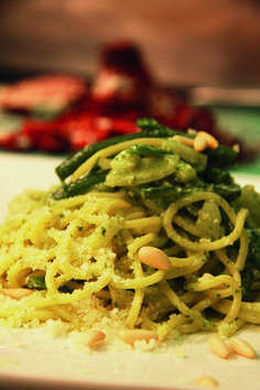 Tonnarelli with French beans, potato and pesto Genovese