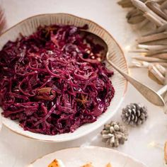 Try our ed cabbage with redcurrant jelly recipe. This red cabbage recipe is an easy Christmas red cabbage side dish recipe. Make our easy red cabbage recipe Easy Red Cabbage Recipe, Red Cabbage With Apples, Red Cabbage Recipes, Red Cabbage Salad, Vegetable Sides, Vegetable Side Dishes, Vegetable Recipes, Jelly Recipes, Avocado Recipes