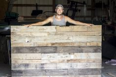 Loving this DIY pallet headboard for our bedroom!