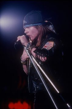 Axl Rose on the late 80s. Axl Rose, Guns N Roses, Great Bands, Cool Bands, Rock N Roll, Sweet Child O' Mine, Slash, Barbie, Rock Legends