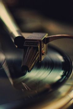 First shot of a vinyl record being played? Then when needle hits vinyl, the songs audio starts? I have a record player so it's possible. Sound Of Music, Music Is Life, My Music, House Music, Music Notes, Live Music, Pub Radio, Mundo Musical, Retro Vintage