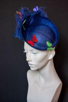 Шляпка Nymphalidae #hat #couturehat #millinary #chapeauegoiste #designerhats #fashionhats #fascinator #derbyhats #pillbox