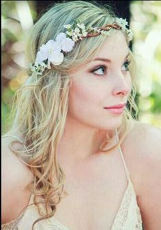 How To Make Fl Headpieces Work For You Wedding Hair Flowersbridal