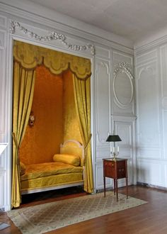 Chateau de Vaux le Vicomte by Just_Bernard Alcove Bed, Bed Nook, Classic Interior, French Interior, Home Bedroom, Bedroom Decor, Bedrooms, Bedroom Furniture, Rideaux Design