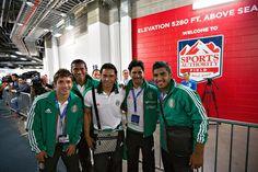 Isaac Brizuela, Joel Huiqui, Carlos Peña, Rafael Márquez Lugo y Miguel Ponce en reconocimiento de cancha del estadio Sports Authority Field