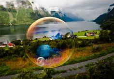 Paisagens norueguesas dentro de bolhas de sabão