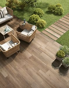 60 amazing outdoor patio design ideas for your gar – Gartengestaltung Ideen - New ideas Patio Tiles, Outdoor Tiles, Outdoor Decor, Outdoor Living, Tile Looks Like Wood, Outdoor Porcelain Tile, Porcelain Tiles, Outside Flooring, Outdoor Patio Designs