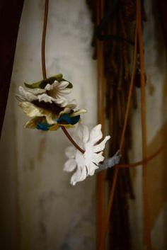 cuir et papier flowers bijou mbd