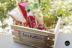 Com o fim de semana mesmo à porta só apetece relaxar com um banho bem quentinho. Passem por http://mycherrylipsblog.com/love-nature-by-oriflame-377220 e descubram uma gama de produtos que vos vais ajudar nesse momento só vosso.
