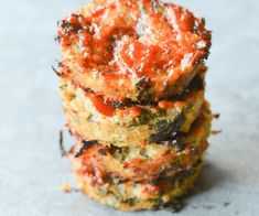 These Keto Chicken Meatloaf Cups are one of the easiest Low Carb Dinners I've ever made! Want to add some extra flavor? Wrap them in bacon! This recipe is a guest post by my amazingly Keto Foods, Keto Snacks, Ketogenic Recipes, Healthy Snacks, Chicken Meatloaf, Keto Chicken, Chicken Recipes, Low Carb Recipes, Cooking Recipes