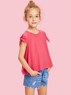 Girls Knot Sleeve Button Back Blouse -SheIn(Sheinside) Girls Fashion Clothes, Kids Fashion, Fashion Outfits, Fashion Trends, Trendy Outfits, Kids Outfits, Deepika Padukone Style, Girls Blouse, Zara Kids
