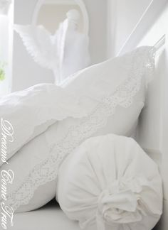 linens and pillows