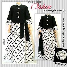 Shrink your URLs and get paid! Islamic Fashion, Muslim Fashion, Hijab Fashion, Blouse Batik, Batik Dress, African Fashion Dresses, African Dress, Dress Batik Kombinasi, Mode Batik