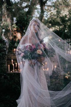RETRO + ROMANTIC STYLED SHOOT AT CURTISS MANSION | Dress:Calla Blanche| Photographer + Sytling:Sea+Ink Photo| Headpiece:Lia Terni| Venue:Curtiss Mansion| Makeup:Nichole Garces| Floral:Simple Florals | Dark + Moody Weddings | a&bé bridal shop