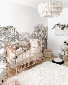 Magnifique berceau doré - ajoutez un peu de luxe à la vie de votre tout-petit avec une chambre bébé en or, une ...
