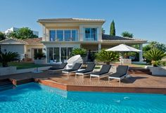 Modern Frontline Golf Villa for Sale in Nueva Andalucia, Marbella