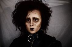 H a l l o w e e n I would love to see someone dress up as Edward Scissorhands for Halloween!  Gotta hand it to Tim Burton for creating such awesome, creative costumes!