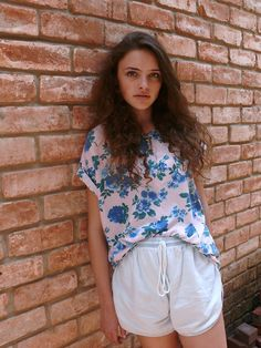 Violet Allen-Glass wore the Le New Big Unisex Pocket Printed Tee and the Unisex Light Wash Denim Leisure Short by #AmericanApparel.  #bloggers #unisex