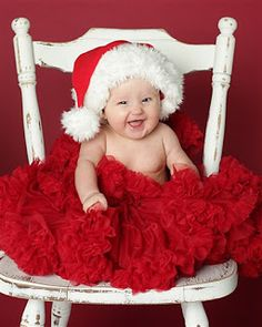 6 month christmas photoshoot | Devine Family: Christmas Pictures - 6 months old