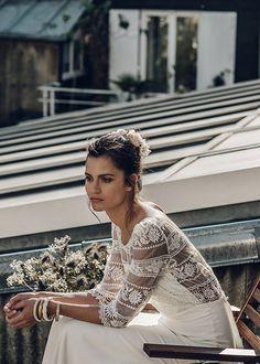 Bonito vestido novia con manga larga transparente bordada en encaje Vestidos de novia de la diseñadora francesa Laure de Sagazan