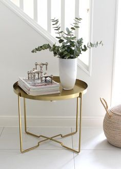 Brass side table from Ellos.se